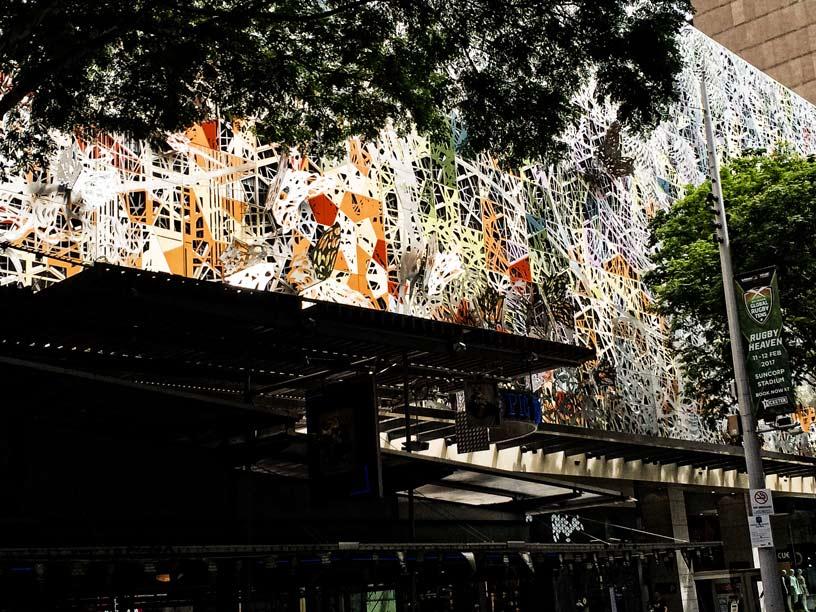 Kaufhausfassade-in-Brisbane