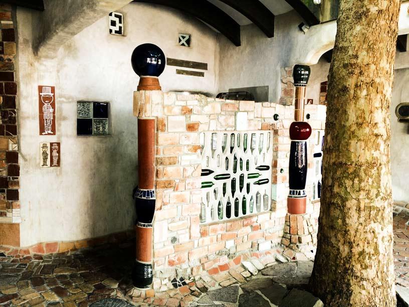 Hundertwasser-Toilette